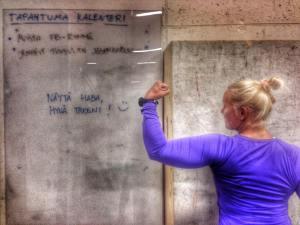 Kaveri oli aamutreeneihin tultaessa jättänyt viestin seinälle :)