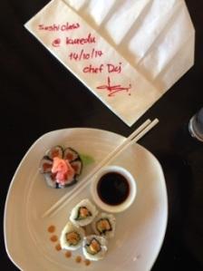 Käytiin lomalla myös saaren Thaimaalaisen kokin järjestämällä sushi kurssilla. Hintaa 2 dollaria per nenä :)