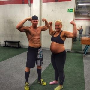 Koko perhe treenaa! :)