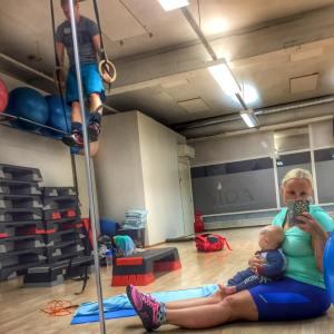 Isi treenaa Vidalla Muscle-Uppeja